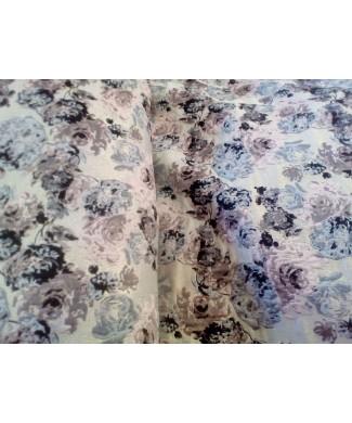 Brocado fondo beige flores rosa palo y grises 89% poliester 11% MTLC 1.50 de ancho