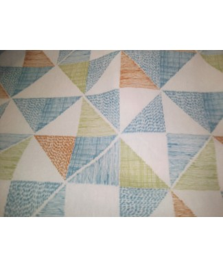 Loneta 50% algodón 50% poliester triángulos azules , naranjas y verdes 2.80 ancho