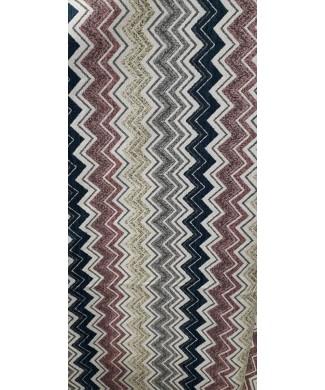 Chenilla estampada zigzag rosa nude, marino, gris y beige 40% acrilico 40% poliester 20% algodon en 2.80 ancho