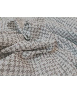 Pata de gallo gris 50% acrilico 20% algodon 15% poliester 15% lana 1.50 de ancho